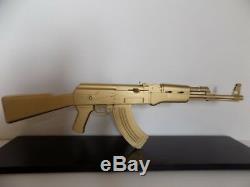 AK47 SCULPTURE DE ROULLAND T SKRED kalach gun kalash art kalashnikov oeuvre deco