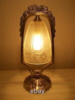 Ancienne lampe art deco 1930 en bronze argenté sculpture floral tulipe en verre