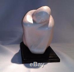 Ancienne sculpture Jeune femme orientale au voile blanc mélancolie