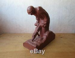 Ancienne sculpture statue terre cuite signé Patrisse homme ouvrier Art déco 1950
