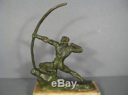 Archer Sculpture Bronze Signée Guero / Bronze Art Déco Guerrier Tireur A L' Arc