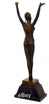 Art déco danseuse sculpture en bronze sur socle en marbre signé Chiparus