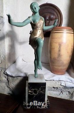 Belle sculpture régule Danseuse art déco 46cm 4200g Non signée A identifier