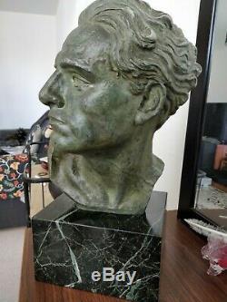 Buste de Jean Mermoz Aviateur régule patiné vert bronze socle en marbre Art Déco