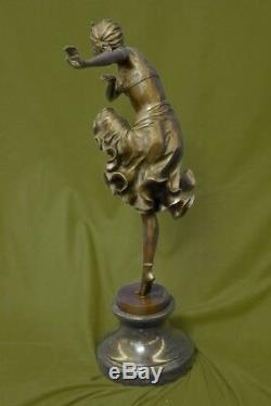 D H Chiparus Art Déco Bronze Sculpture Femme en Robe Figurine