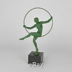 Danseuse au cerceau, sculpture signé Briand (M Bouraine) art déco, XXème siècle