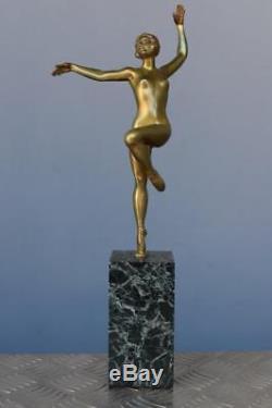 Danseuse en bronze Art déco patine verte 1930