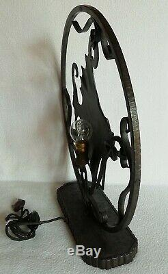 Exceptionnelle lampe Sculpture Poisson en FER FORGÉ Période Art-Déco 1930