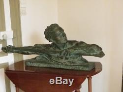Grande sculpture en plâtre patiné bronze époque art déco longueur 106 cm