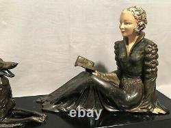 Grande sculpture époque art déco élégante au lévrier