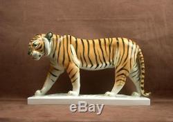 Importante Sculpture En Porcelaine Allemande Volkstedt Tigre Art Deco