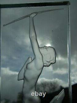 Lampe veilleuse en verre art deco JOSHECO femme nue lalique style sculpture vase