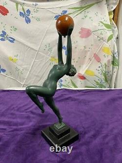 Max Le Verrier Sculpture Femme Nue Muni Boule Onyx Jeu Fonte Dart Art Deco