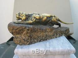 Sculpture Art Déco Lionne en Bronze, Signée Léon BUREAU (1866-1906)