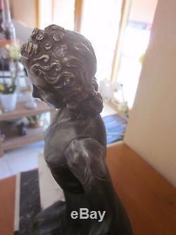 Sculpture Art Deco Regule Elegante Assise Sur Un Banc Dlg Delatour Balleste