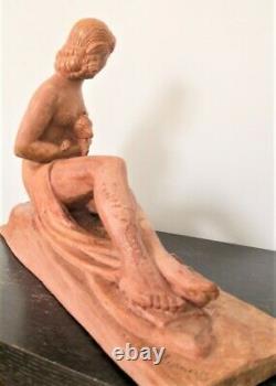 Sculpture Art-deco De Chiparus''jeune Femme Tenant Un Chevreau'' Terre Cuite