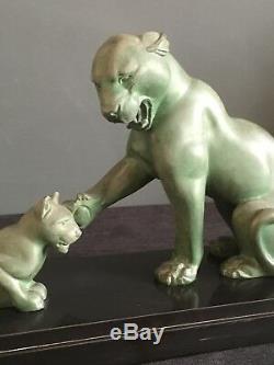 Sculpture Art déco en régule Lionne et lionceau signée J. ROCHARD