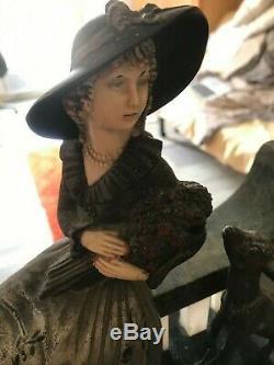 Sculpture Chryséléphantine Art Deco Femme assise et agneau très bon état