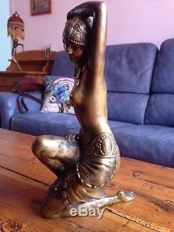Sculpture Femme Art-déco régule