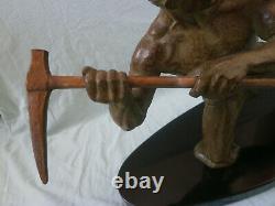 Sculpture Homme a la pioche de RUDENS (Jean de RONCOURT) art déco