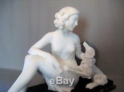Sculpture albâtre signé Saccardi. Alberto époque art déco femme au lévrier