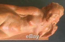 Sculpture en Terre cuite ART DECO NYMPHE NUE ALLONGÉE XXEME Signée L64cm TBE