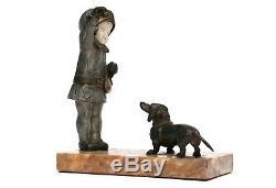 Sculpture en bronze chryséléphantine Art Déco. Fille & chien. H Molins. Chiparus
