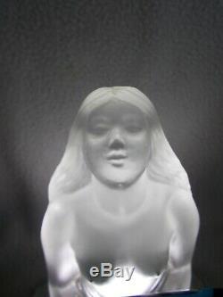 Sculpture en verre art deco L'IDOLE SABINO femme nue statuette veilleuse lampe