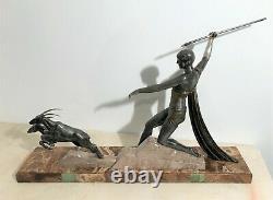 Sculpture époque art déco en métal Diane chasseresse signée J. Dauvergne