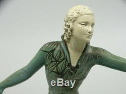 Sculpture femme à l'oiseau Art Déco sculpture statue by J. Roggia 1925's