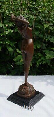 Statue Sculpture Le reveil Pin-up Sexy Nu Style Art Deco Style Art Nouveau Bronz