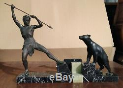 Statue sculpture en régule Art Deco signée Uriano