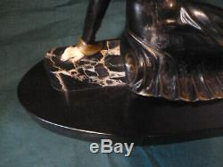 Statue sculpture regule art deco signé S MELANI longueur 58 cm. L19 cm h 30 cm