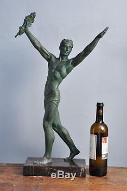 Superbe grande sculpture Demetre Chiparus 1930 Art Déco statue nude men